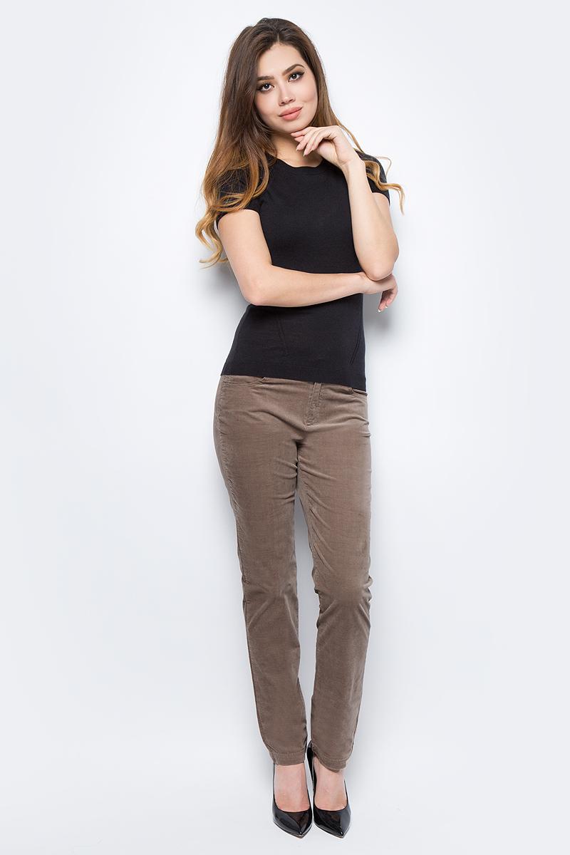 Брюки женские United Colors of Benetton, цвет: бежевый. 4AH7571L5_04B. Размер 42 (44)4AH7571L5_04BЖенские брюки United Colors of Benetton станут модным дополнением к вашему гардеробу. Изготовленные из качественного материала, они мягкие и приятные на ощупь, не сковывают движения и позволяют коже дышать.Современный дизайн и расцветка делают эти брюки стильным предметом одежды, они отлично дополнят ваш образ и подчеркнут неповторимый стиль.