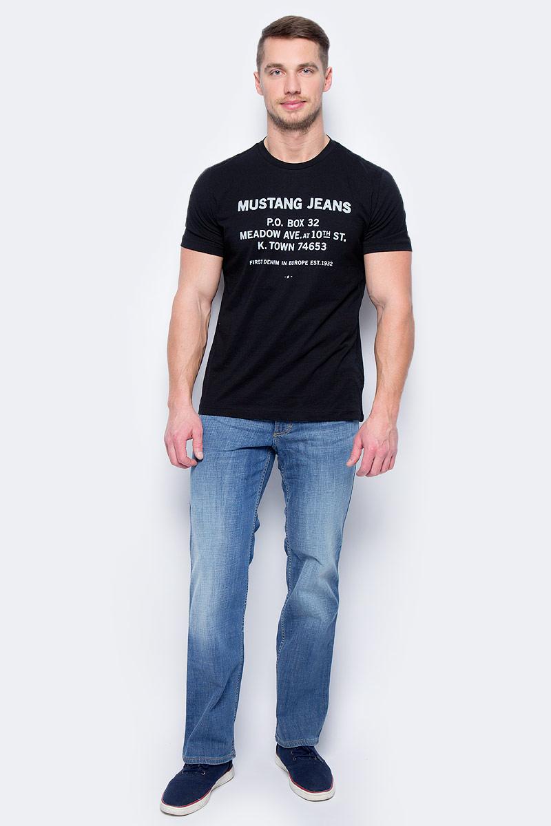 Джинсы мужские Mustang Tramper, цвет: светло-синий. 0111-5387-535_5000-312. Размер 31-34 (46/48-34)0111-5387-535_5000-312Джинсы MUSTANG изготовлены из качественного материала на основе хлопка. Джинсы застегиваются на пуговицу в поясе и ширинку на застежке-молнии, дополнены шлевками для ремня. Спереди модель оформлена двумя втачными карманами и одним маленьким накладным, сзади - двумя накладными карманами. Изделие дополнено декоративными потертостями.