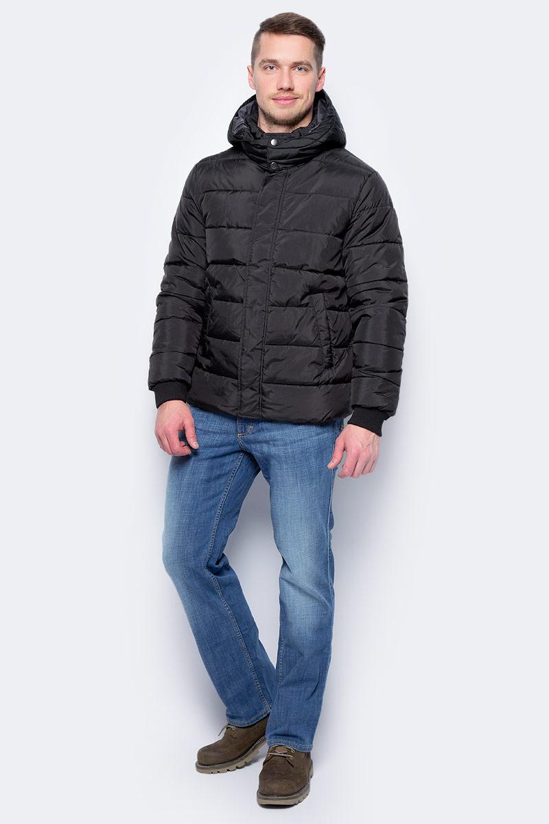 Куртка мужская United Colors of Benetton, цвет: черный. 2WU5539Z8_100. Размер 462WU5539Z8_100Куртка мужская United Colors of Benetton выполнена из полиэстера. Модель с длинными рукавами застегивается на молнию.