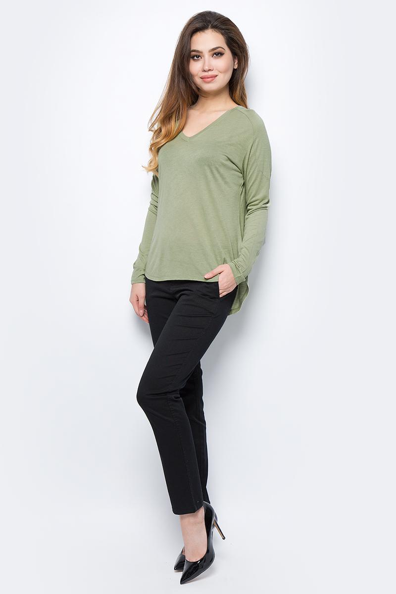 Лонгслив женский United Colors of Benetton, цвет: зеленый. 3II4E4126_26K. Размер M (44/46)3II4E4126_26KЛонгслив женский United Colors of Benetton выполнен из качественного материала. Модель с V-образным вырезом горловины и длинными рукавами.