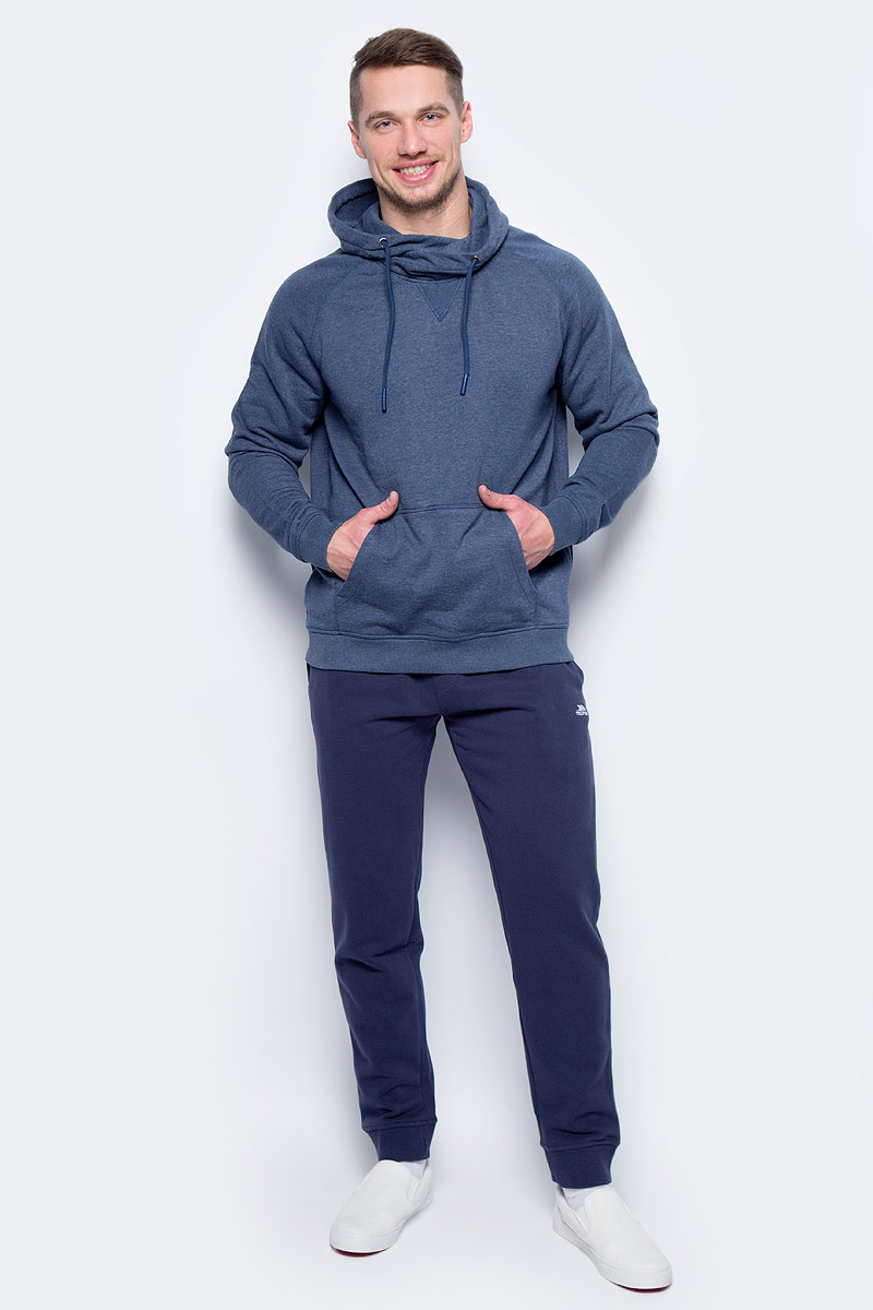 Брюки спортивные мужские Trespass Carson, цвет: синий. MABTTRM20006. Размер XL (54)MABTTRM20006Превосходные спортивные мужские брюки Trespass Carson свободного кроя, из высококачественного материала станут отличным выбором как для походов, так и прогулок по городу. Модель на эластичном поясе дополнена шнурком обеспечит комфортную посадку и свободу движений. По бокам - прорезные карманы. Брючины снизу оформлены широкими резинками.Такие брюки незаменимая вещь в спортивном и летнем гардеробе.