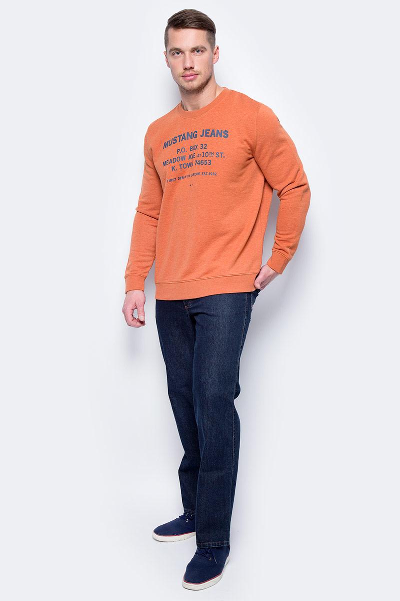 Джинсы мужские Mustang Tramper, цвет: темно-синий. 0111-5126-000_5000-880. Размер 31-34 (46/48-34)0111-5126-000_5000-880Джинсы MUSTANG изготовлены из качественного материала на основе хлопка. Джинсы застегиваются на пуговицу в поясе и ширинку на застежке-молнии, дополнены шлевками для ремня. Спереди модель оформлена двумя втачными карманами и одним маленьким накладным, сзади - двумя накладными карманами.