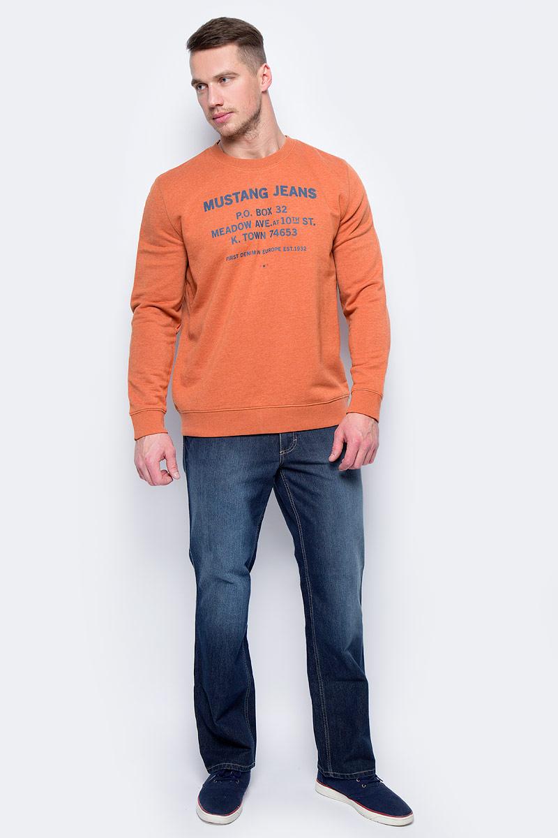 Джинсы мужские Mustang Tramper, цвет: синий. 0111-5126-580_5000-881. Размер 33-32 (48/50-32)0111-5126-580_5000-881Джинсы MUSTANG изготовлены из качественного материала на основе хлопка. Джинсы застегиваются на пуговицу в поясе и ширинку на застежке-молнии, дополнены шлевками для ремня. Спереди модель оформлена двумя втачными карманами и одним маленьким накладным, сзади - двумя накладными карманами. Изделие дополнено декоративными потертостями.