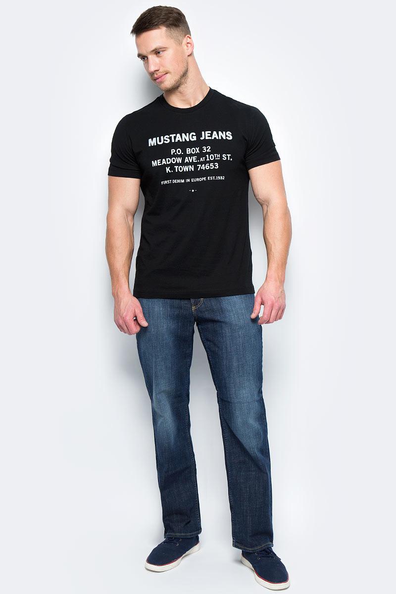 Джинсы мужские Mustang Big Sur, цвет: синий. 3169-5387-588_5000-881. Размер 30-32 (46-32)3169-5387-588_5000-881Джинсы MUSTANG изготовлены из качественного материала на основе хлопка. Джинсы застегиваются на пуговицу в поясе и ширинку на застежке-молнии, дополнены шлевками для ремня. Спереди модель оформлена двумя втачными карманами и одним маленьким накладным, сзади - двумя накладными карманами. Изделие дополнено декоративными потертостями.