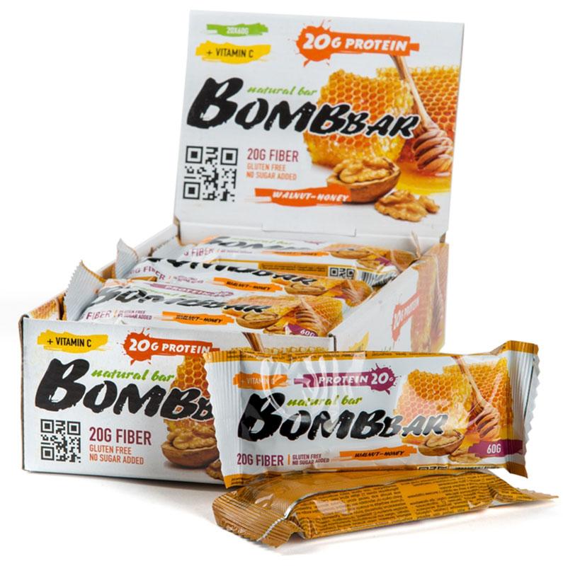 Батончик протеиновый Bombbar, грецкий орех с медом, 20 шт х 60 г14620020960813Bombbar - это спортивный батончик с высоким содержанием протеина и минимальным количеством сахара. Обладает восхитительным вкусом, быстро снабжает организм многокомпонентным протеином, отлично подходит для белковой диеты.Протеиновый батончик Bombbar:- поможет снизить вес,- питает мышечную массу,- придает эффект сытости,- улучшает общее состояние системы пищеварения,- способствует росту полезной микрофлоры,- способствует подержанию здорового уровня сахара в крови,- не содержит сахар,- не содержит ГМО.Состав: белки 40 % (концентрат сывороточного белка, концентрат молочного белка), изомальтоолигосахарид , вода, грецкий орех жареный,эквивалент масла какао, агенты влагоудерживающие (глицерин, сорбитол), соль, экстракт меда, ароматизаторы натуральные, регулятор кислотности - лимонная кислота, аскорбиновая кислота(витамин С), подсластитель - стевиозид.Как повысить эффективность тренировок с помощью спортивного питания? Статья OZON Гид