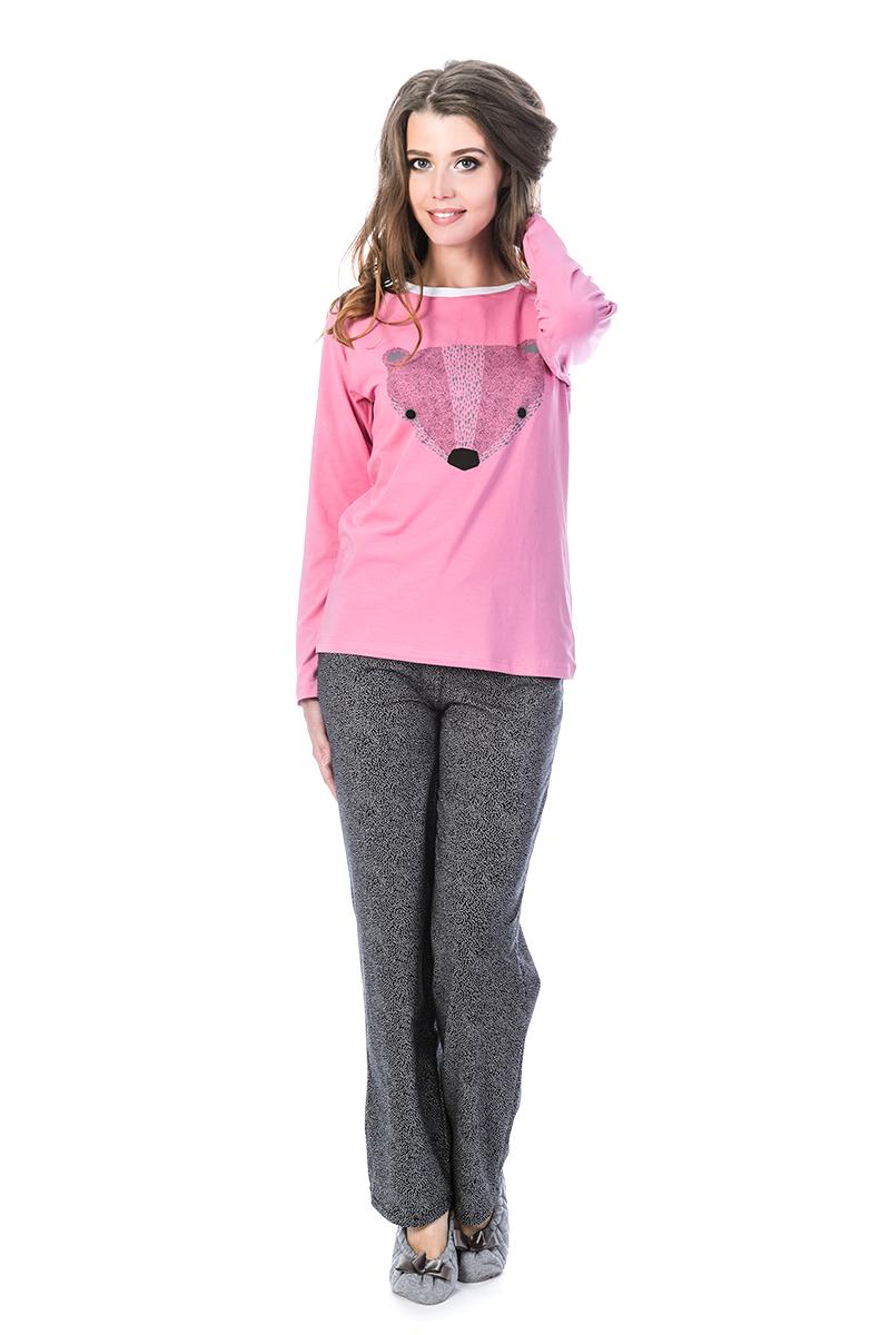 Пижама женская Melado Адель, цвет: розовый, серый. ML2858/01. Размер 48ML2858/01Удобная пижама от Melado, состоящая из лонгслива и брюк, выполнена из очень нежного полотна. Брюки классической ширины, комфортные и хорошо сидящие по фигуре. Лонгслив с рукавами 3/4 и круглым вырезом горловины спереди оформлен принтом.