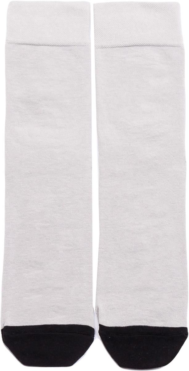 Носки мужские Mark Formelle, цвет: бело-серый. 001K-507. Размер 44/45001K-507Удобные носки от Mark Formelle, изготовленные из высококачественного хлопкового материала с добавлением полиамида и эластана, очень мягкие и приятные на ощупь, позволяют коже дышать. Эластичная резинка плотно облегает ногу, не сдавливая ее, обеспечивая комфорт и удобство. На ступнях носки оформлены надписями прием окончен.