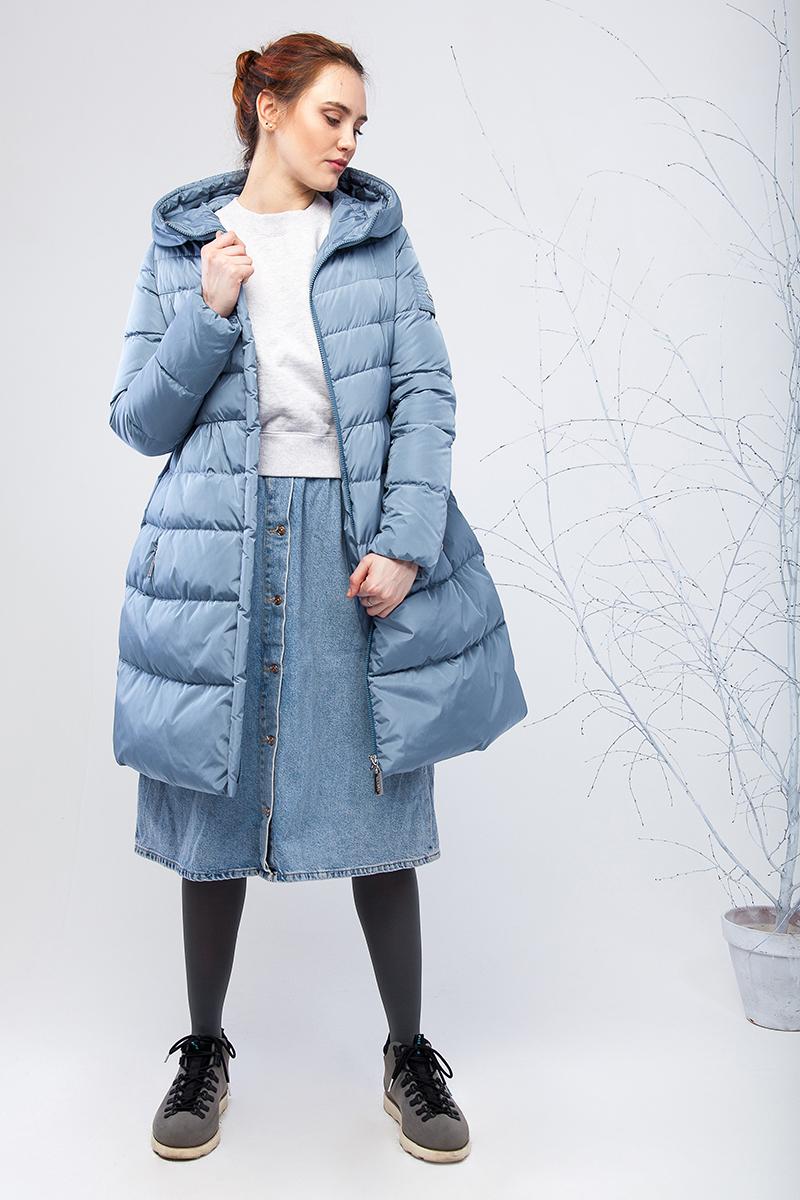 Куртка женская Clasna, цвет: голубой. CW17D-039CW. Размер S (42)CW17D-039CW(535)Зимний женский пуховик от Clasna выполнен из высококачественного нейона с наполнителем из био-пуха. Модель с длинными рукавами и капюшоном застегивается на молнию, на талии дополнена эластичным поясом с бантиком. Капюшон не отстегивается. По бокам пуховик дополнен прорезными карманами на молниях. Имеет внутренний накладной кармашек.