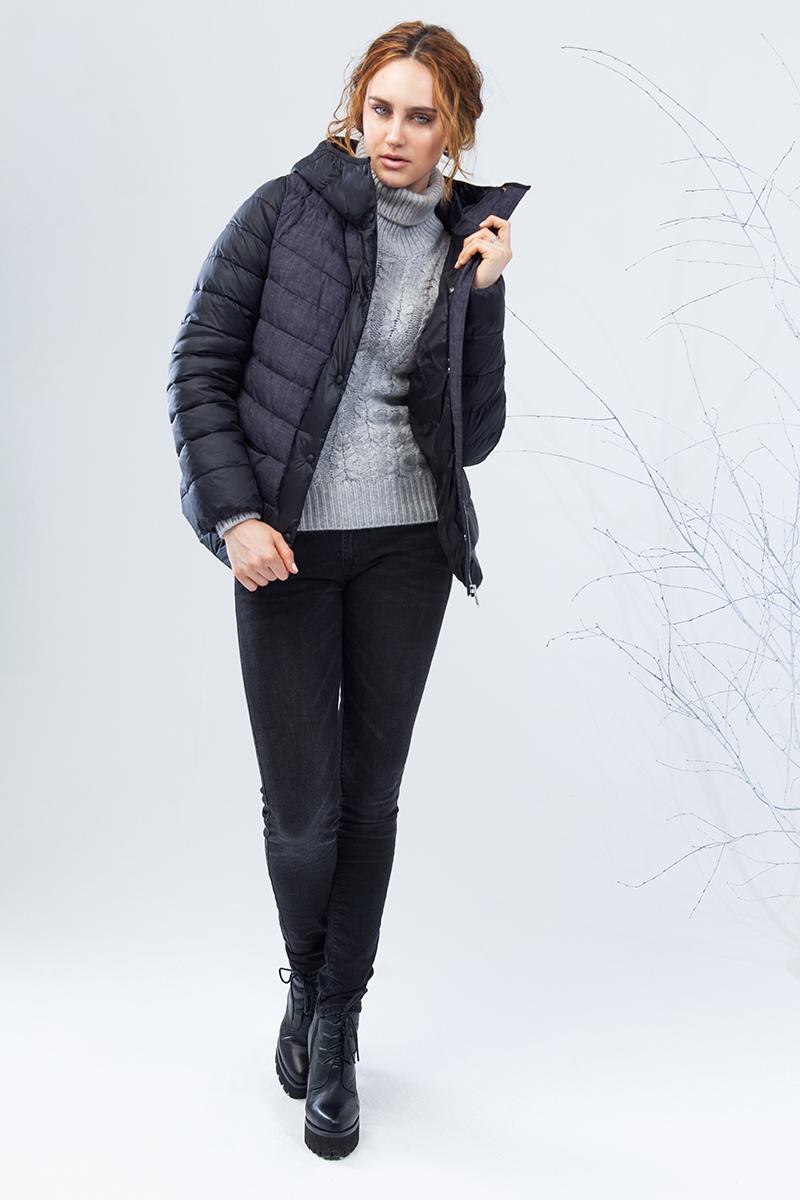 Куртка женская Clasna, цвет: черный. CW17D-007CW. Размер L (46)CW17D-007CW(701)Зимний женский пуховик от Clasna выполнен из высококачественного непромокаемого полиэстера с наполнителем из био-пуха. Модель с длинными рукавами и капюшоном застегивается на молнию и имеет ветрозащитный клапан на кнопках. Капюшон не отстегивается. По бокам пуховик дополнен прорезными карманами на потайных молниях. Имеет внутренний накладной кармашек.