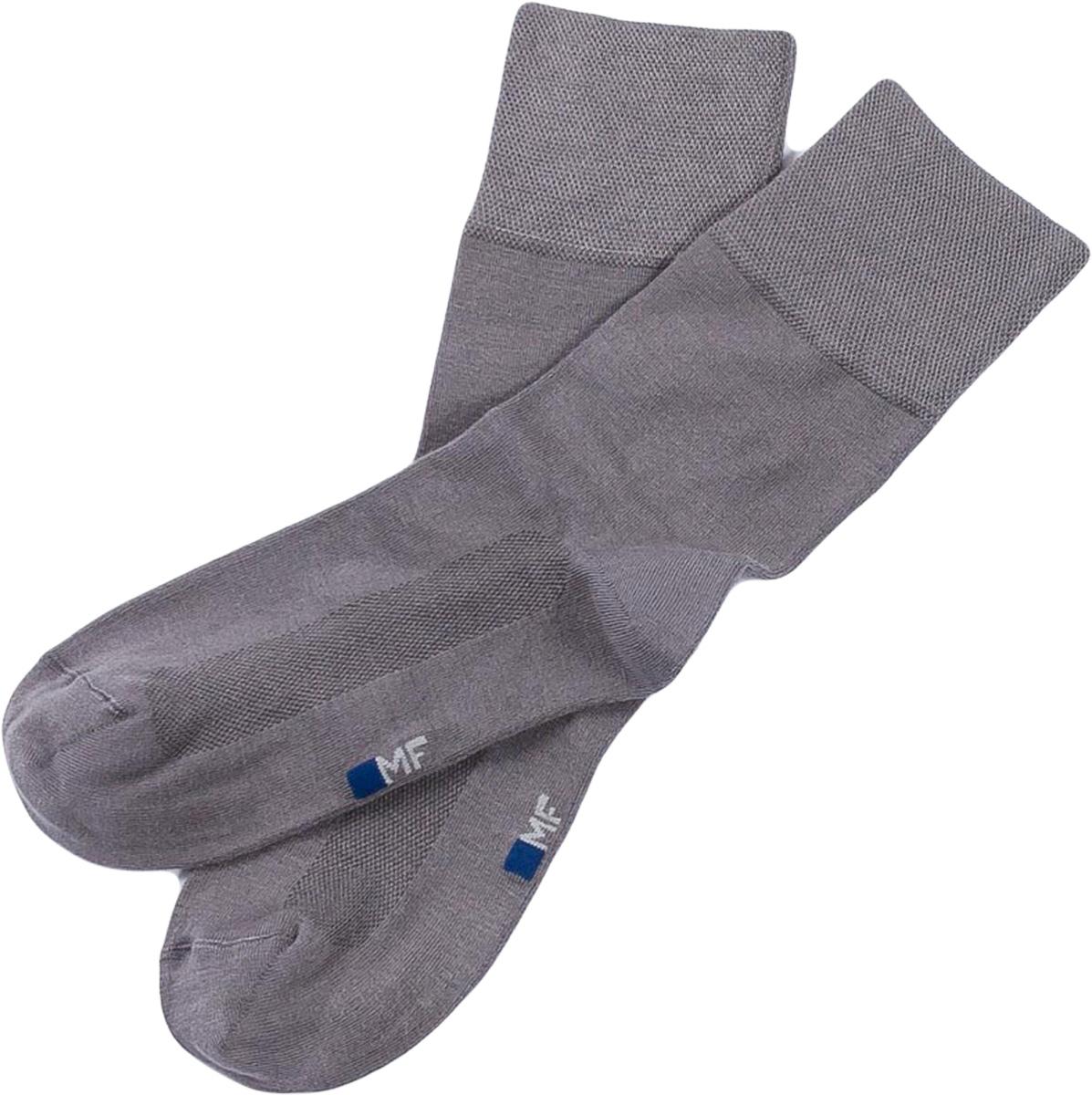 Носки мужские Mark Formelle, цвет: серый. 055K-131. Размер 42/43055K-131Удобные носки от Mark Formelle с охлаждающим эффектом Cooling Effect, изготовленные из высококачественного бамбукового материала с добавлением полиамида и эластана, очень мягкие и приятные на ощупь, позволяют коже дышать. Эластичная резинка плотно облегает ногу, не сдавливая ее, обеспечивая комфорт и удобство.
