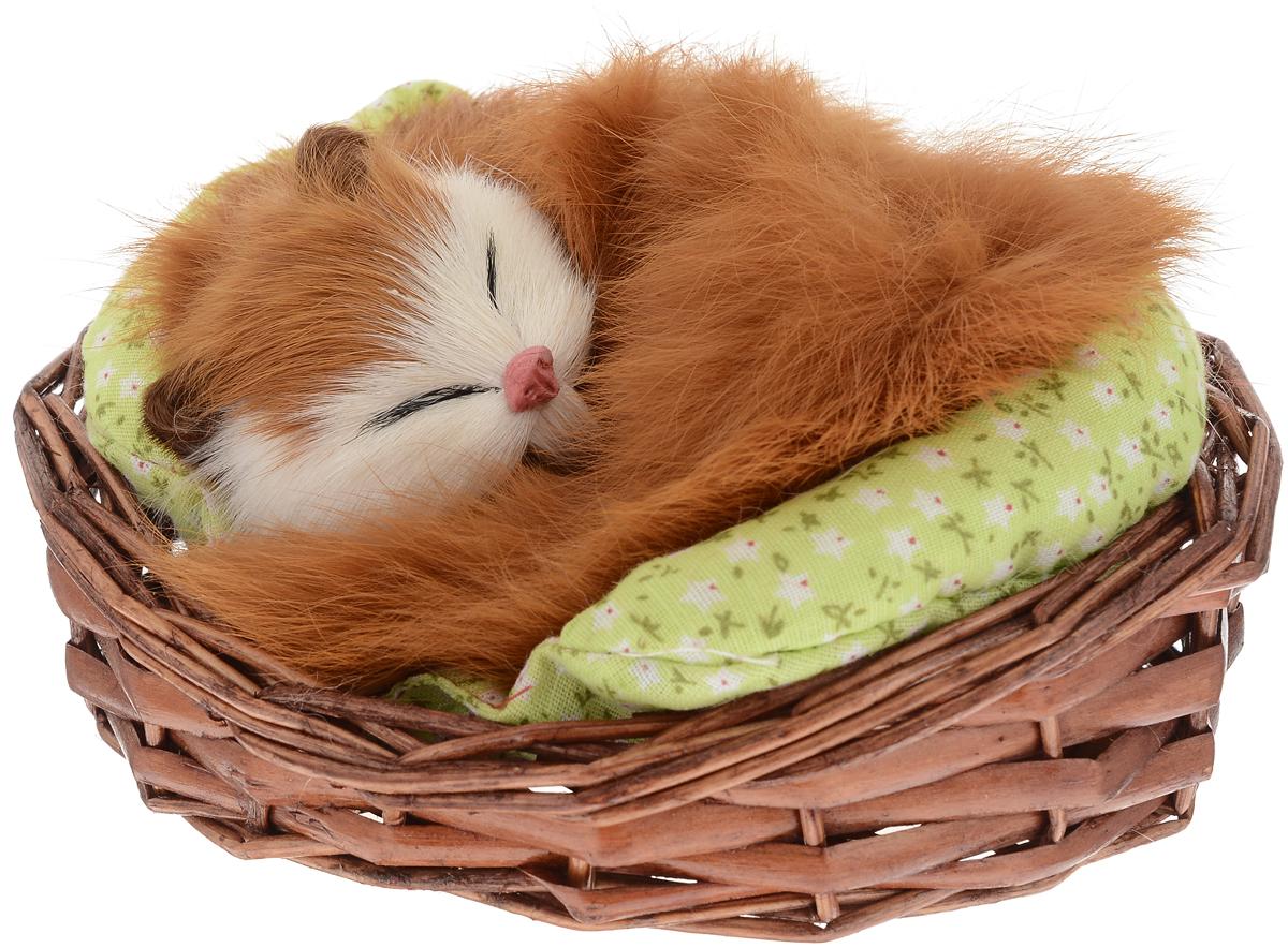 Vebtoy Фигурка Спящий котенок в корзинке цвет рыжий