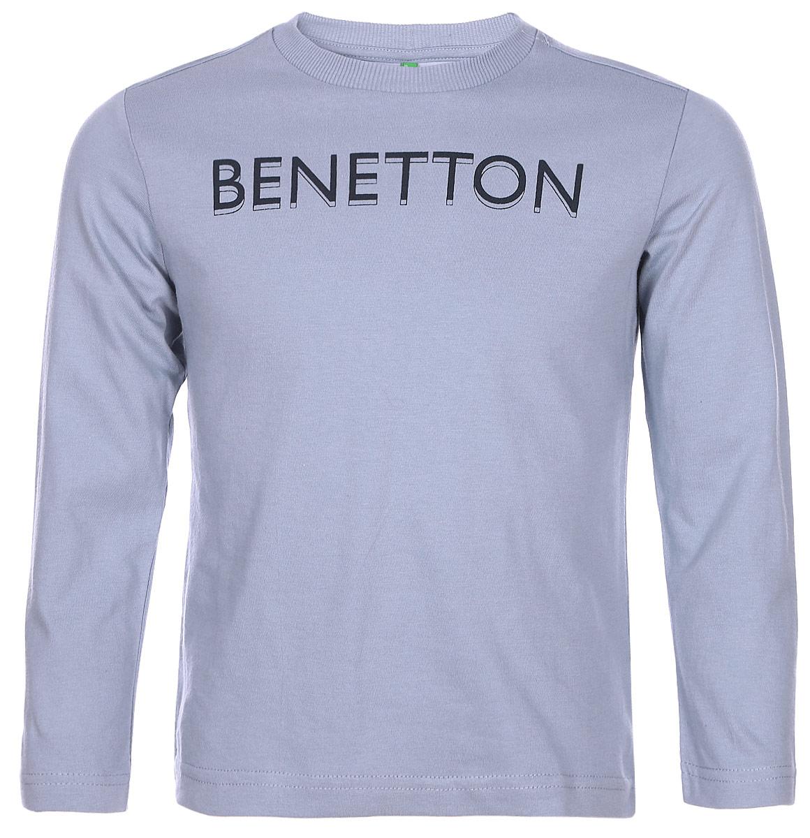 Свитшот для мальчика United Colors of Benetton, цвет: голубой. 3YR3C13H5_096. Размер 1503YR3C13H5_096Стильный свитшот для мальчика, выполненный из натурального хлопка, отлично дополнит гардероб вашего модника. Модель с длинными рукавами и круглым вырезом горловины спереди оформлена надписью Benetton. Горловина дополнена трикотажной резинкой.