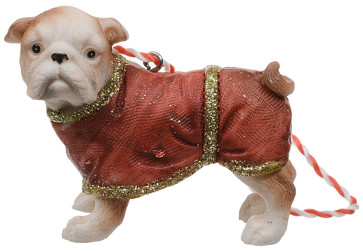 Украшение новогоднее подвесное Magic Time Бульдог в комбинезоне. 7513375133Оригинальное новогоднее украшение Magic Time выполнено из полирезины в виде бульдога в комбинезоне. Спомощью специальной петельки украшениеможно повесить в любом понравившемся вам месте. Но,конечно же, удачнее всего такая игрушка будетсмотреться на праздничной елке.Новогодние украшения приносят в дом волшебство иощущение праздника. Создайте в своем доме атмосферувеселья и радости, украшая всей семьей новогоднююелку нарядными игрушками, которые будут из года в годнакапливать теплоту воспоминаний.