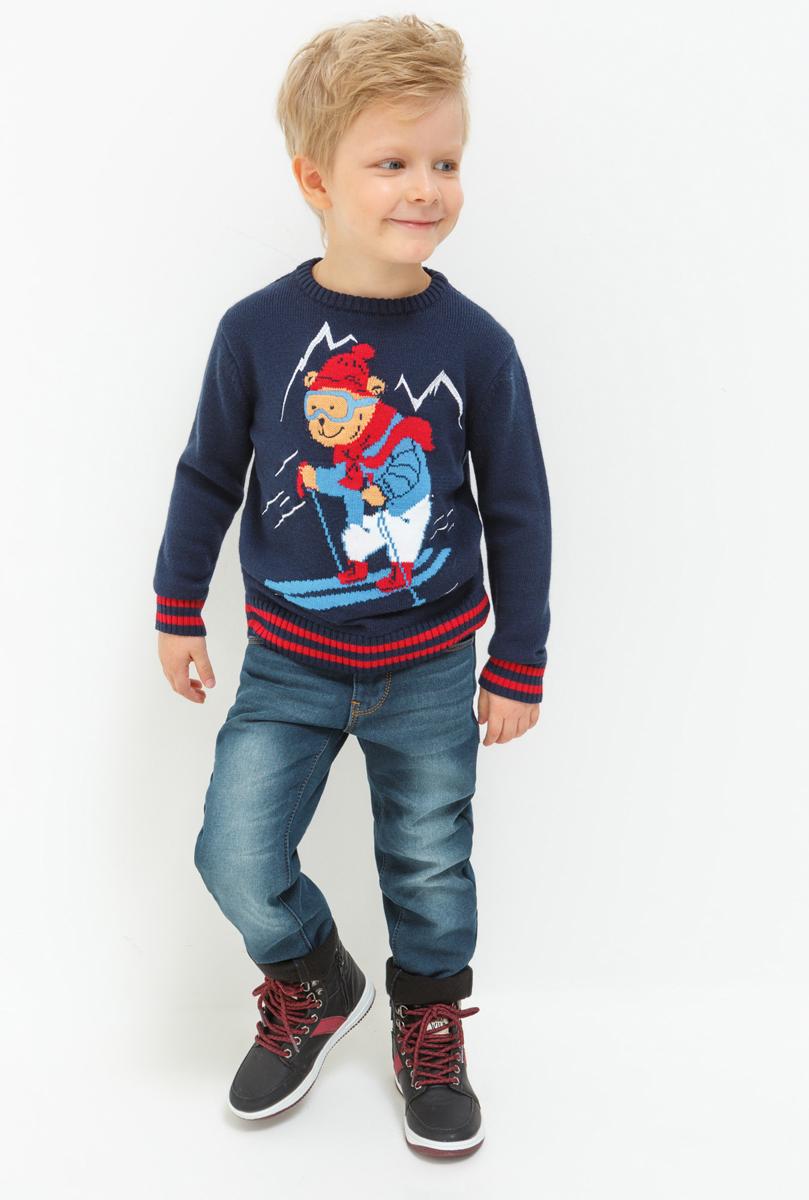 Джинсы для мальчика Acoola Smaug, цвет: синий. 20120160125_500. Размер 11620120160125_500Стильные джинсы для мальчика Acoola выполнены из натурального хлопка. Джинсы застегиваются на пуговицу в поясе и ширинку на застежке-молнии, имеются шлевки для ремня. Изделие дополнено спереди двумя врезными карманами и одним маленьким накладным кармашком, а сзади - двумя накладными карманами. Оформлена модель контрастной прострочкой и сзади на талии фирменной нашивкой.