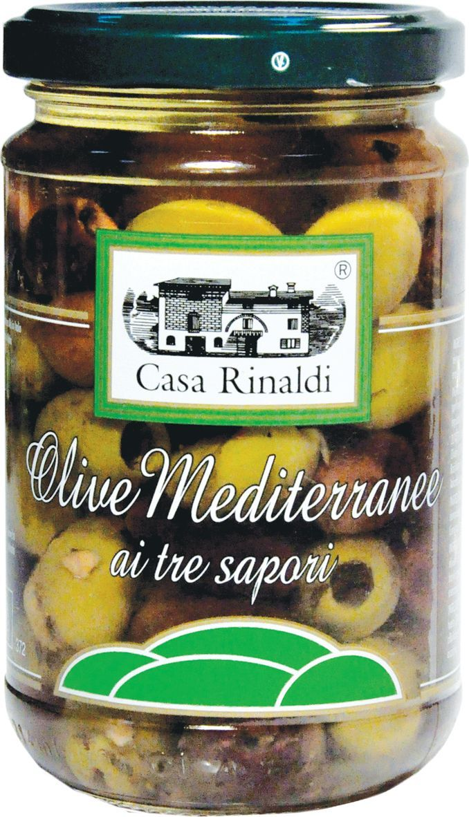 Casa Rinaldi Оливки средиземноморские, 270 г0.0524.0620Оливки Casa Rinaldi Средиземноморские консервированные с косточкой (Olive Mediterrane tre tipi) - обладают нежным изысканным солоноватым вкусом с пряными и цитрусовыми нотками. Оливки Casa Rinaldi Средиземноморские консервированные с косточкой (Olive Mediterrane tre tipi) богаты витаминами A и E и олеиновой кислотой, обладают омолаживающими и улучшающими зрение свойствами. Ежедневное употребление в пищу оливок держит в норме уровень холестерина, является профилактикой сердечно-сосудистых заболеваний, а также снижает риск развития инфаркта, инсульта и стенокардии и болезней желудочно-кишечного тракта. Хранить при t от 0°С до +25°С. После вскрытия хранить в холодильнике и употребить в течение 3-х недель.