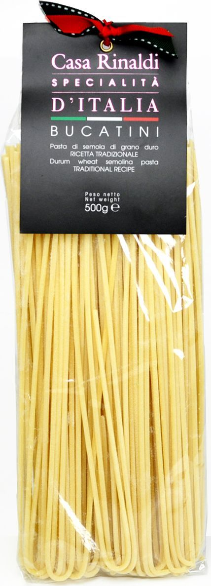 Casa Rinaldi Паста Букатини из Лацио ручной работы, 500 г0.1968.1931В Италии макаронные изделия разрешается изготавливать только из твердых сортов пшеницы (аналогично группе А в России). Твердые сорта пшеницы имеют большее содержание клейковины и меньшее содержание крахмала, чем мягкие. Изготовленные из них макароны имеют более низкий гликемический индекс. На качество пасты влияет время сушки и тип матрицы, которая задает форму макаронным изделиям. Срок сушки пасты Casa Rinaldi составляет около 12 часов, что в сочетании с бронзовыми фильерами придают нужную пасте пористость и шероховатость, необходимую для лучшего впитывания соуса.
