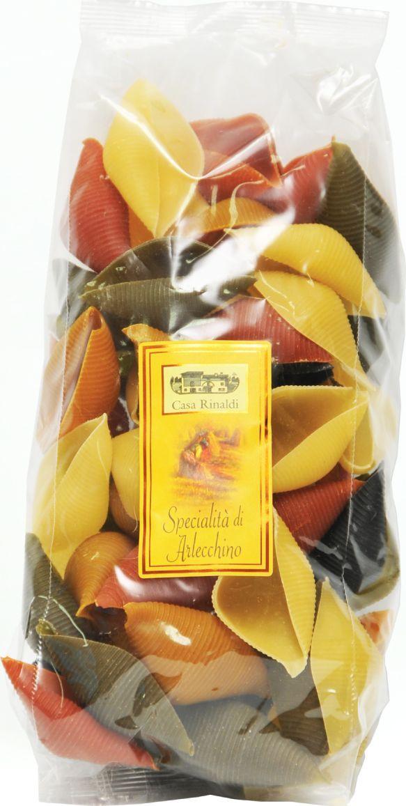 Casa Rinaldi Паста цветная Конкильони Арлекино ракушки, 500 г0.1968.2992В Италии макаронные изделия разрешается изготавливать только из твердых сортов пшеницы (аналогично группе А в России). Твердые сорта пшеницы имеют большее содержание клейковины и меньшее содержание крахмала, чем мягкие. Изготовленные из них макароны имеют более низкий гликемический индекс. На качество пасты влияет время сушки и тип матрицы, которая задает форму макаронным изделиям. Срок сушки пасты Casa Rinaldi составляет около 12 часов, что в сочетании с бронзовыми фильерами придают нужную пасте пористость и шероховатость, необходимую для лучшего впитывания соуса. Для придания цвета и вкуса в пасту добавляют помидоры, и она приобретает красный цвет, шпинат (зеленый цвет), или чернила каракатицы (черный цвет)Лайфхаки по варке круп и пасты. Статья OZON Гид