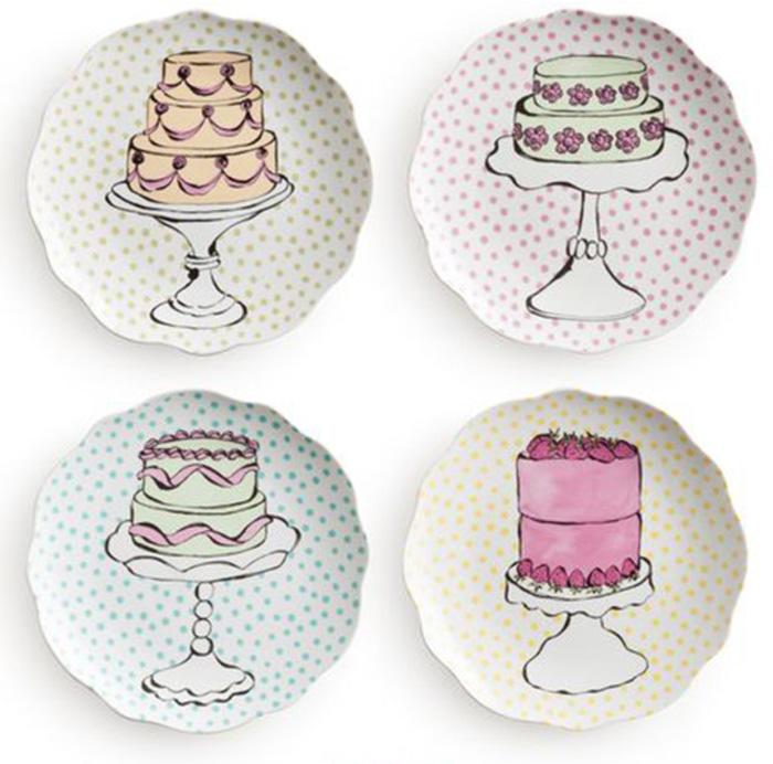 Набор тарелок Rosanna Eat Dessert First, 4 шт45103Праздничная коллекция Rosanna Eat Dessert First позволит отпраздновать любое событие со вкусом.Все предметы набора сделаны из настоящего фарфора. Тарелки имеют волнообразный край, украшены оригинальными рисунками. Каждую тарелку украшает торт на подставке, она отлично подойдет для любого сладкого блюда. Упаковка тоже имеет индивидуальный дизайн, поэтому такая посуда будет идеальным подарком.Не рекомендуется использовать в микроволновой печи во избежание появления трещин.