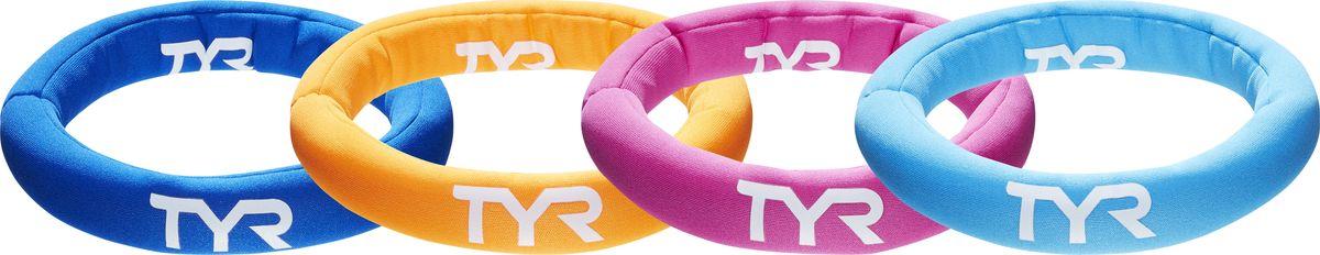 Кольца Tyr Dive Rings, цвет: мультиколор, 4 шт. LSTSRNGLSTSRNGПревратите обучение плаванию вашего ребенка в увлекательную игру с новыми аксессуарами для плавания из линии «Start to swim». Игрушка для бассейна TYR представляет из себя набор из 4 ярких колец, погружающихся на дно бассейна. Благодаря обучающей игрушке ребенок может развить: навыки подводного плавания, технику ныряния, навыки ориентации под водой. Диаметр каждого кольца 16 см. Рекомендовано для обучения плаванию детей от 6 лет в присутствии взрослых.