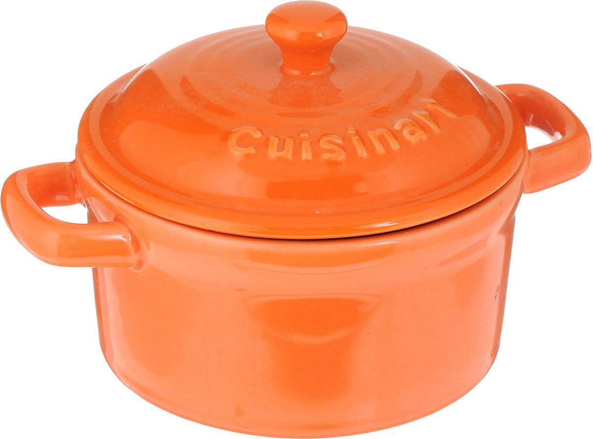 """Форма для запекания """"Calve"""", выполненная из жаропрочной  глазурованной керамики, оснащена крышкой и удобными ручками.  Изделие можно использовать в духовке. Во время процесса  приготовления посуда из керамики впитывает лишнюю влагу  из продукта и хранит тепло.  Диаметр формы (по верхнему краю): 10 см. Ширина формы (с учетом ручек): 13,5 см.  Высота формы (без учета крышки): 5 см. Объем: 250 мл.   Как выбрать форму для выпечки – статья на OZON Гид."""