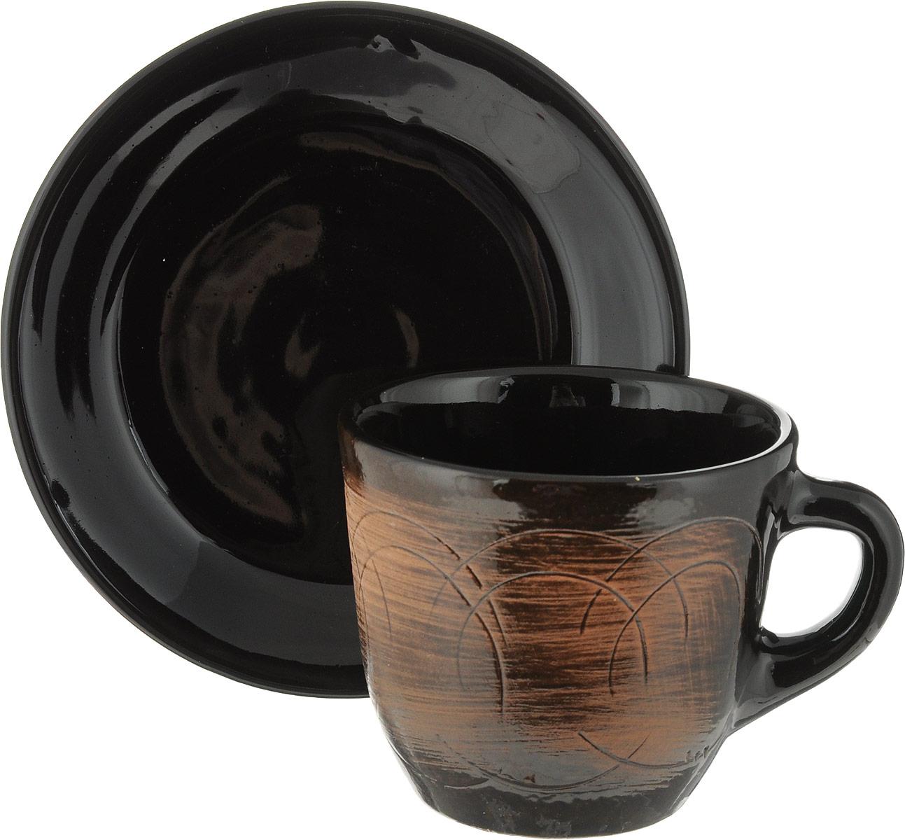 Чайная пара Борисовская керамика Старина, 2 предметаСТР00000639_коричневыйЧайная пара Борисовская керамика Старина состоит из чашки и блюдца, изготовленных из высококачественной керамики. Такой набор украсит ваш кухонный стол, а также станет замечательным подарком к любому празднику.Можно использовать в микроволновой печи и духовке. Диаметр чашки (по верхнему краю): 10 см. Высота чашки: 8,5 см. Объем чашки: 300 мл. Диаметр блюдца (по верхнему краю): 15,5 см. Высота блюдца: 2,5 см.
