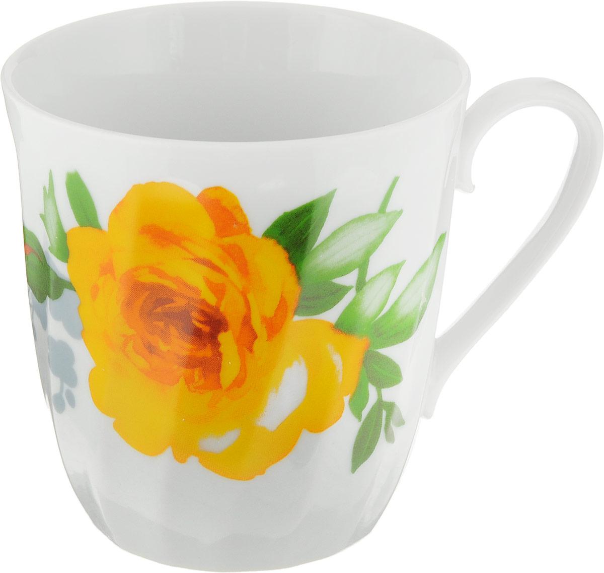 Кружка Дулевский Фарфор Витая. Роза, 350 мл. 6761267612_желтыйКружка Дулевский Фарфор Витая. Роза способна скрасить любое чаепитие. Изделие выполнено из высококачественного фарфора. Посуда из такого материала позволяет сохранить истинный вкус напитка, а также помогает ему дольше оставаться теплым. Кружка оснащена удобной ручкой.Диаметр: 9,5 см.Высота: 9,5 см.