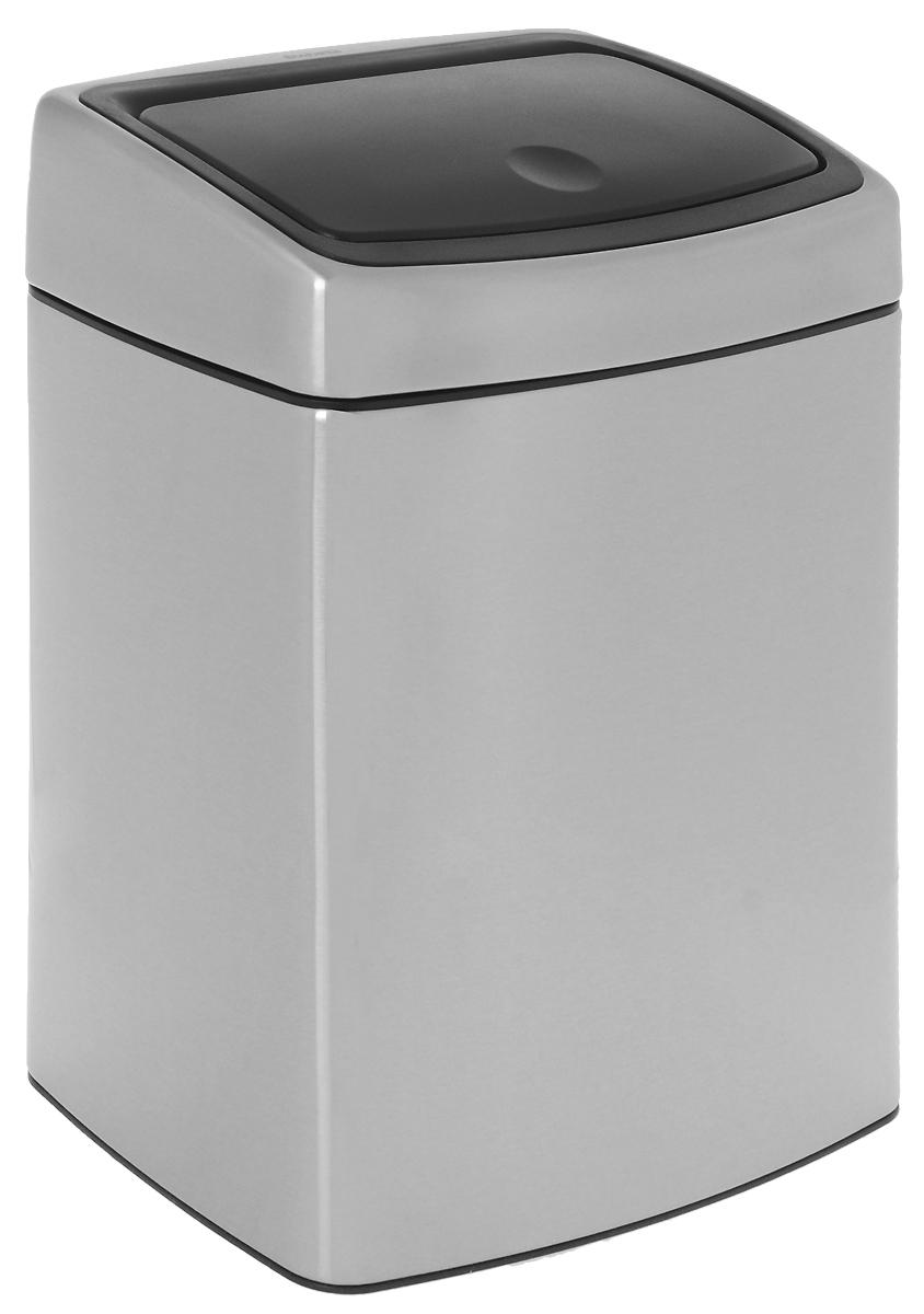 Бак мусорный Brabantia Touch Bin, цвет: стальной матовый (FPP), 10 л. 477225477225Бесшумное открывание/закрывание крышки легким касанием – система «Soft Touch». Компактный бак – удобно устанавливается вплотную к стене или в угол. Может устанавливаться на пол или крепиться на стену – поставляется с крепежным кронштейном. Удобная очистка – прочное съемное внутреннее ведро из пластика. Широкое загрузочное отверстие и большая вместимость – идеально подходит для сбора пустых бутылок из-под шампуня и т. п. Бак изготовлен из коррозионностойких материалов – долговечность и удобство в очистке. Покрытие с защитой от отпечатков пальцев FPP. Всегда опрятный вид – в комплекте идеально подходящие по размеру мешки для мусора PerfectFit (размер C).