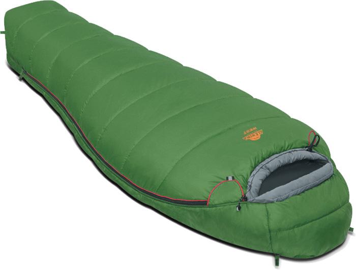 Спальный мешок Alexika West, цвет: зеленый, левосторонняя молния. 9229.010129229.01012Спальный мешок Alexika West представляет собой облегченный вариант туристического спальника, рассчитанный для использования при средних температурах. Обладая неплохой вместительностью, мешок весит всего 1,5 кг, а в чехле спальник занимает не более 13 см в длину, и очень удобен в переноске. Внутри спальника есть сетчатый карман, в который можно положить какую-нибудь необходимую мелочь, или документы. Одним из плюсов данной модели спальника является анатомический капюшон, который идеально охватывает голову, а также специальный тепловой воротник на шнурке, который не даст замерзнуть в стужу. Приятной мелочью, и также плюсом данного спального мешка является люминесцентная молния, которая светиться в темноте и которую вы не потеряете, к тому же, снабженной особой лентой, защищающей от закусывания ткани. А два бегунка позволят в жару открыть молнию у ног, для лучшей вентиляции. Спальник Alexika West легко поддается стирке и легко сушиться, благодаря специальным петлям, за которые вы можете подвесить его, не повредив наружную ткань. Особенности:Мягкий валик вдоль окна капюшона.Лента от закусывания молнии.Сетчатый внутренний карман.Анатомический капюшон.Люминесцентная петля на замке молнии.Возможность состегивания спальников, имеющих молнии с правой и левой стороны.Петли для сушки.На треугольном клапане круглая липучка и светоотражающий ярлык.Утеплитель сформирован в пакеты, смещенные относительно друг друга на половину ширины пакета, что предотвращает проникновение холодного воздуха через швы.Размер в чехле: 40/30 см x 22 см. Сезонность: весна-осень. Внешняя ткань верх: Polyester 190T. Внешняя ткань низ: Polyester 190T. Внутренняя ткань: Polyester 190T. Утеплитель: APF-Isoterm 3D.
