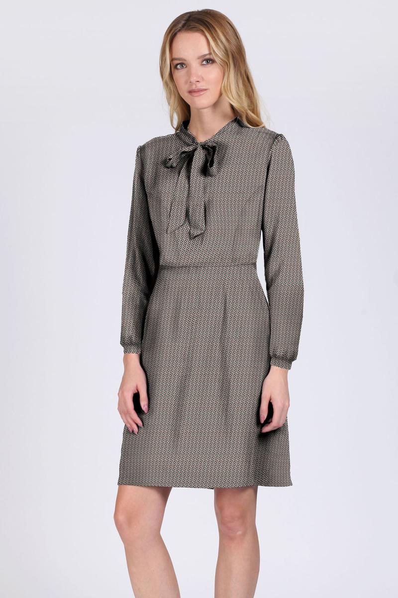 Платье Tom Farr, цвет: бордовый. TW1533.28810-1-coll. Размер M (46)TW1533.28810-1-collПлатье от Tom Farr выполнено из натуральной вискозы. Модель приталенного кроя с вырезом горловины аскот и длинными рукавами застегивается на потайную молнию.