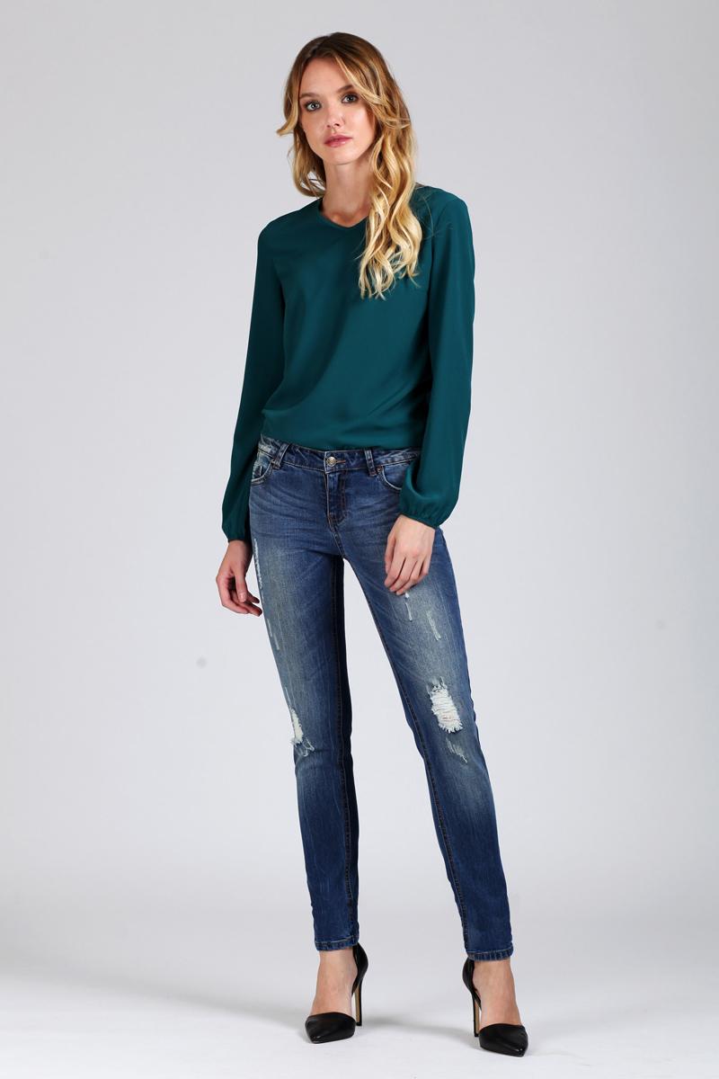 Джинсы женские Tom Farr, цвет: синий. T4FW2790.35702-2-coll. Размер 25-32 (40-32)T4FW2790.35702-2-collЖенские джинсы от Tom Farr выполнены из эластичного хлопкового денима. Модель зауженного кроя в поясе застегивается на пуговицу и имеет ширинку на молнии, имеются шлевки для ремня. Джинсы имеют классический пятикарманный крой и оформлены декоративными потертостями.