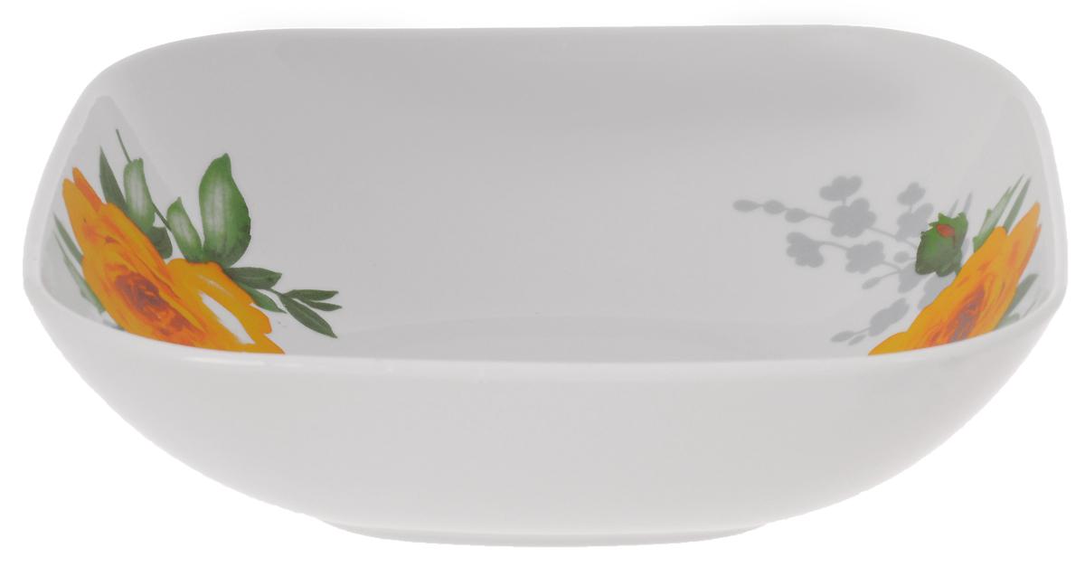 Салатник Дулевский Фарфор Роза, квадратный, 1,04 л068022Салатник Дулевский Фарфор выполнен из высококачественного фарфора, покрытого глазурью. Такая посуда отлично подойдет для подачи салатов, закусок, нарезок. Он красиво дополнит сервировку стола и станет полезным приобретением для кухни.Размер: 20 х 20 см.Высота: 6 см.