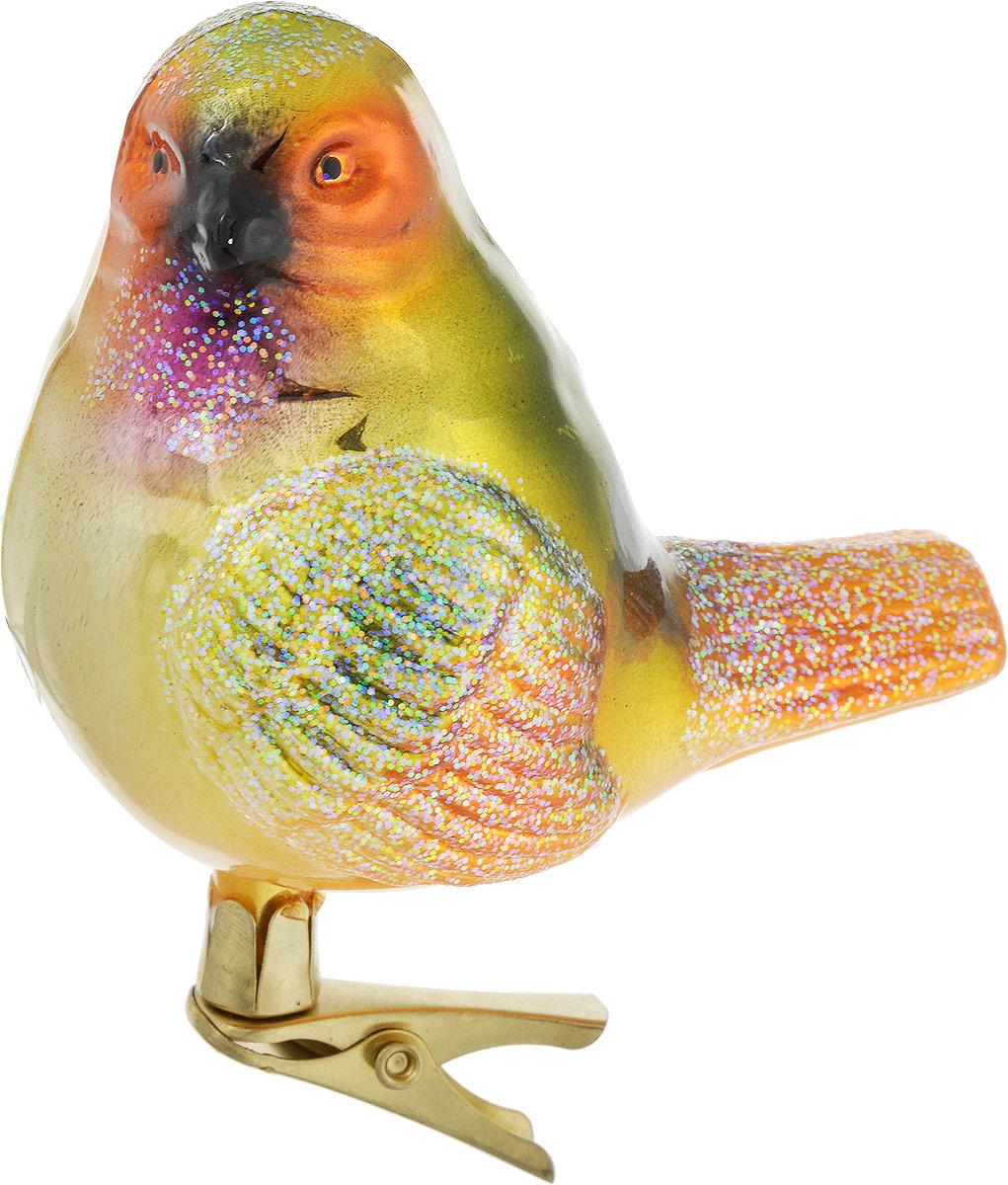 Украшение новогоднее Winter Wings Канарейка, на прищепке, цвет: зеленый, 9 х 6 х 8 смN07605_зеленыйУкрашение Winter Wings Канарейка, выполненное из стекла, прекрасно подойдет для праздничного декора вашей ели. С помощью специальной металлической прищепки его можно поместить в любом понравившемся вам месте. Но конечно удачнее всего такая игрушка будет смотреться на праздничной елке. Елочная игрушка - символ Нового года и Рождества. Она несет в себе волшебство и красоту праздника. Создайте в своем доме атмосферу веселья и радости, украшая новогоднюю елку нарядными игрушками, которые
