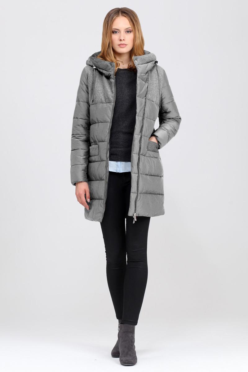 Куртка женская Tom Farr, цвет: светло-серый. T4FW3625.54809-1. Размер XL (50)T4FW3625.54809-1Утепленная женская куртка от Tom Farr выполнена из высококачественного комбинированного материала. Модель с длинными рукавами и капюшоном застегивается на асимметричную молнию. Капюшон не отстегивается. По бокам куртка дополнена втачными карманами.