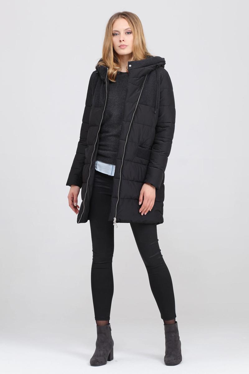 Куртка женская Tom Farr, цвет: темно-серый. T4FW3625.57809-1. Размер L (48)T4FW3625.57809-1Утепленная женская куртка от Tom Farr выполнена из высококачественного комбинированного материала. Модель с длинными рукавами и капюшоном застегивается на асимметричную молнию. Капюшон не отстегивается. По бокам куртка дополнена втачными карманами.