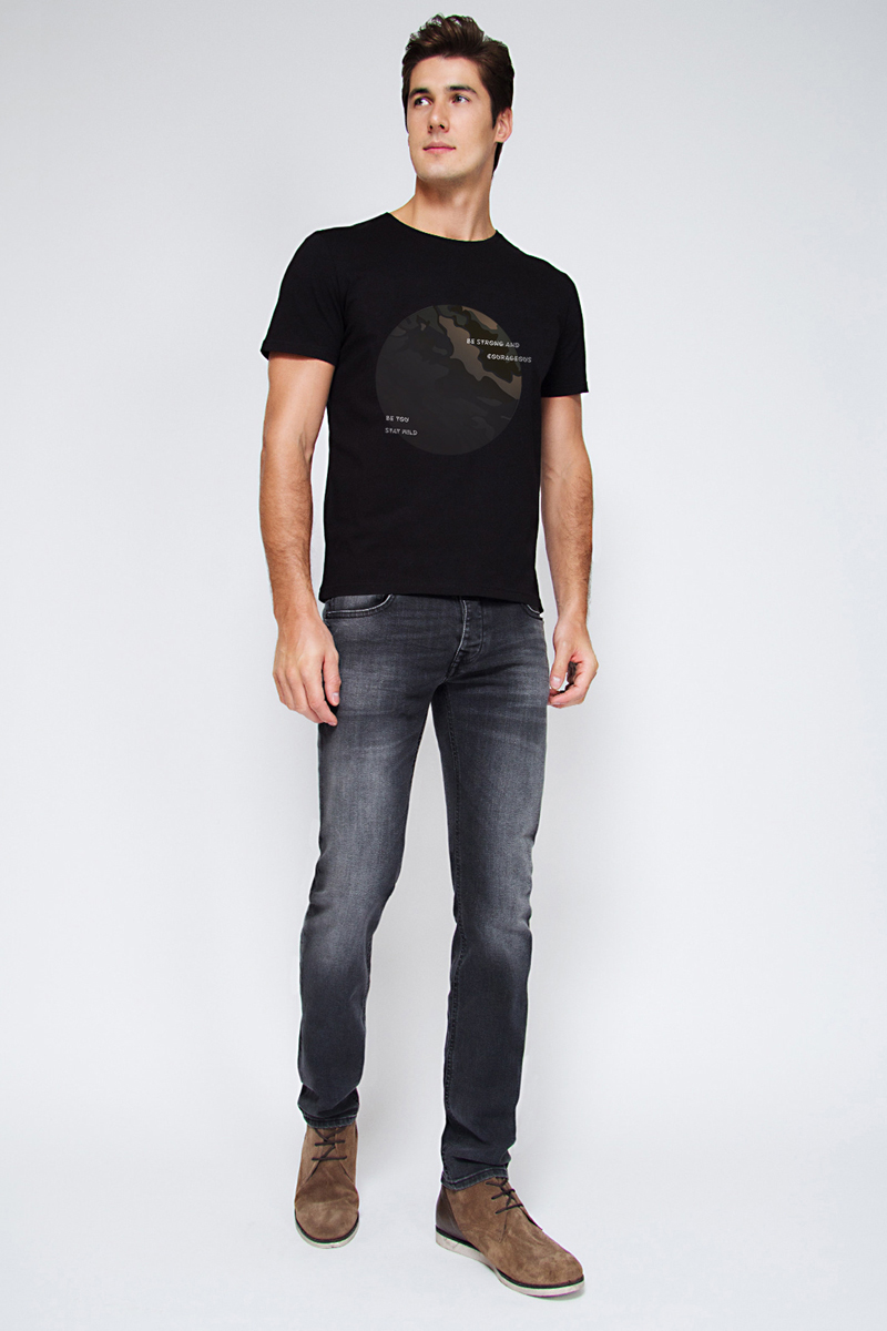 Футболка мужская Tom Farr, цвет: черный. TM4010.58808-1-coll. Размер M (48)TM4010.58808-1-collМужская футболка от Tom Farr выполнена из натурального хлопка. Модель с короткими рукавами и круглым вырезом горловины спереди оформлена принтом.