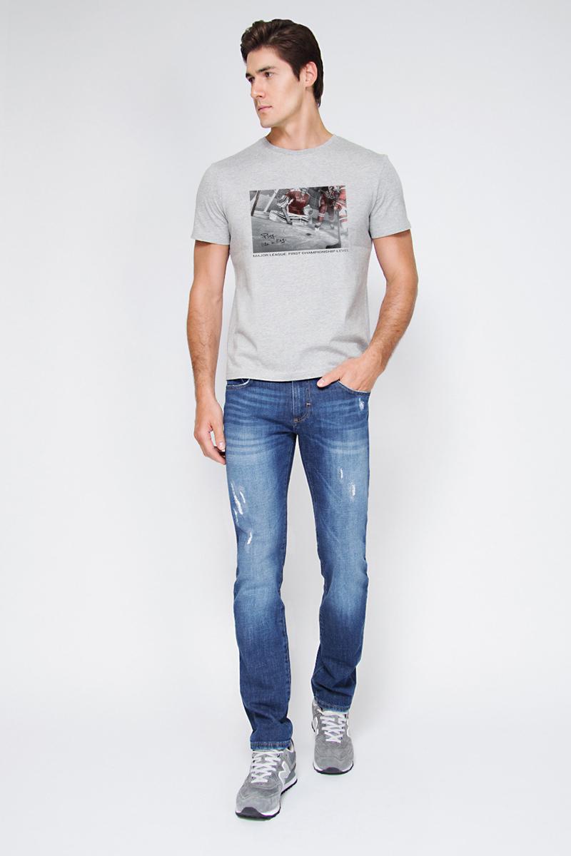 Футболка мужская Tom Farr, цвет: серый. TM4029.55809-2-coll. Размер XL (52)TM4029.55809-2-collМужская футболка от Tom Farr выполнена из натурального хлопка. Модель с короткими рукавами и круглым вырезом горловины спереди оформлена принтом.