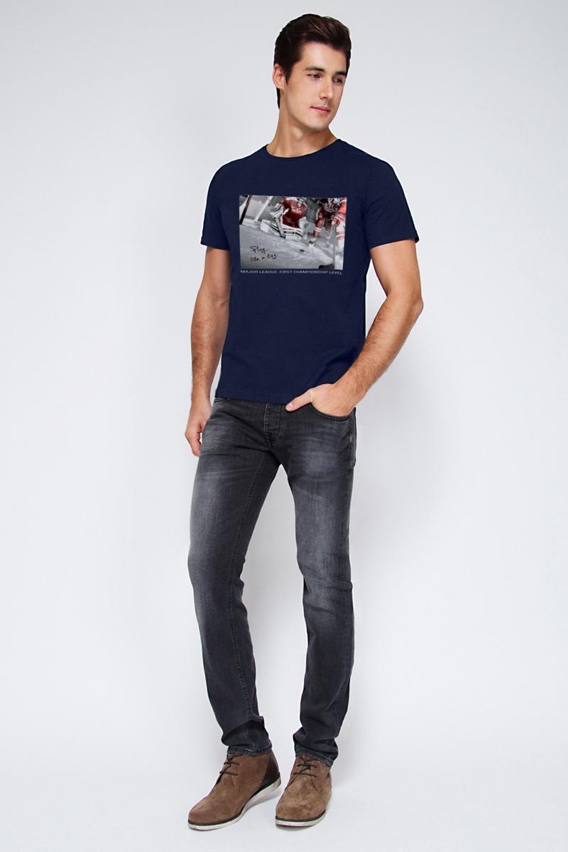 Футболка мужская Tom Farr, цвет: темно-синий. TM4029.67809-2-coll. Размер L (50)TM4029.67809-2-collМужская футболка от Tom Farr выполнена из натурального хлопка. Модель с короткими рукавами и круглым вырезом горловины спереди оформлена принтом.