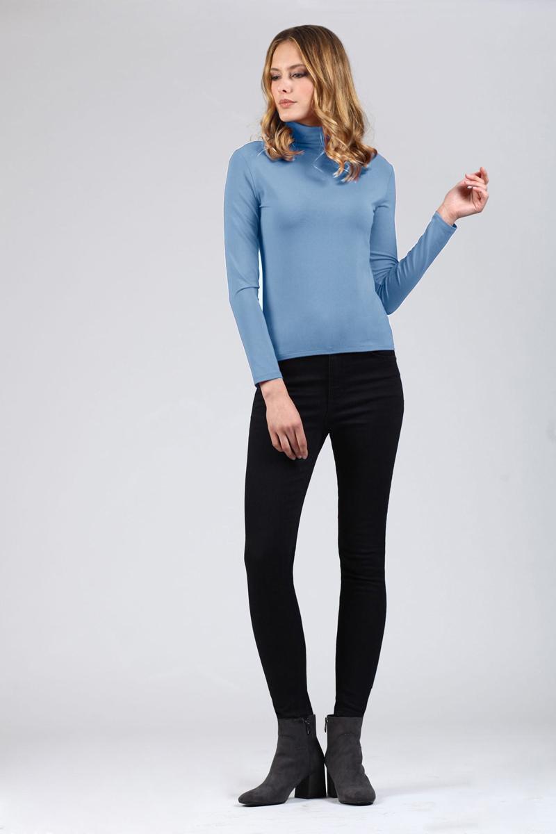 Водолазка женская Tom Farr, цвет: голубой. TW4521.33808-1-coll. Размер XS (42)TW4521.33808-1-collЖенская водолазка от Tom Farr выполнена из эластичной вискозы. Модель с длинными рукавами и воротником-гольф.