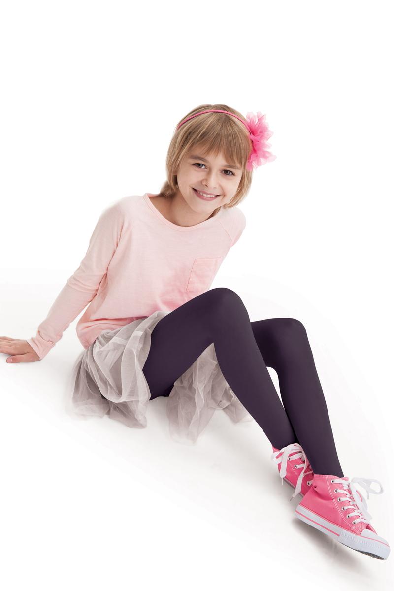 Колготки детские Knittex, цвет: слива. Mary. Размер 146/152MARYКлассические детские колготки Knittex Mary изготовлены специально для девочек.Мягкие и приятные на ощупь колготки имеют широкую резинку и комфортные плоские швы. Теплые и прочные, эти колготки равномерно облегают ножки, не сдавливая и не доставляя дискомфорта. Эластичные швы и мягкая резинка на поясе не позволят колготам сползать и при этом не будут стеснять движений. Входящие в состав ткани полиамид и эластан предотвращают растяжение и деформацию после стирки.Однотонная расцветка позволит сочетать эти колготки с любыми нарядами маленькой модницы.Классические колготки - это идеальное решение на каждый день для прогулки, школы, яслей или садика. Такие колготки станут великолепным дополнением к гардеробу вашей красавицы.Уважаемые клиенты! Обращаем ваше внимание на то, что упаковка может иметь несколько видов дизайна. Поставка осуществляется в зависимости от наличия на складе.