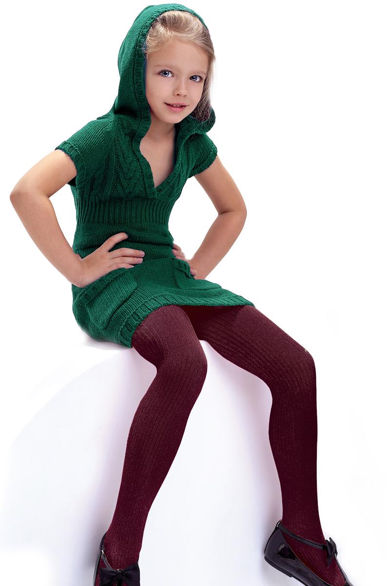 Колготки детские Knittex, цвет: бордовый. Agatka. Размер 122/128AGATKAКлассические детские колготки Knittex Agatka изготовлены специально для девочек.Плотные колготки с продольным рельефным узором в виде мелкого рубчика имеют широкую резинку и комфортные плоские швы. Теплые и прочные, эти колготки равномерно облегают ножки, не сдавливая и не доставляя дискомфорта. Эластичные швы и мягкая резинка на поясе не позволят колготам сползать и при этом не будут стеснять движений. Входящие в состав ткани полиамид и эластан предотвращают растяжение и деформацию после стирки. Однотонная расцветка позволит сочетать эти колготки с любыми нарядами маленькой модницы.Классические колготки - это идеальное решение на каждый день для прогулки, школы, яслей или садика. Такие колготки станут великолепным дополнением к гардеробу вашей красавицы.