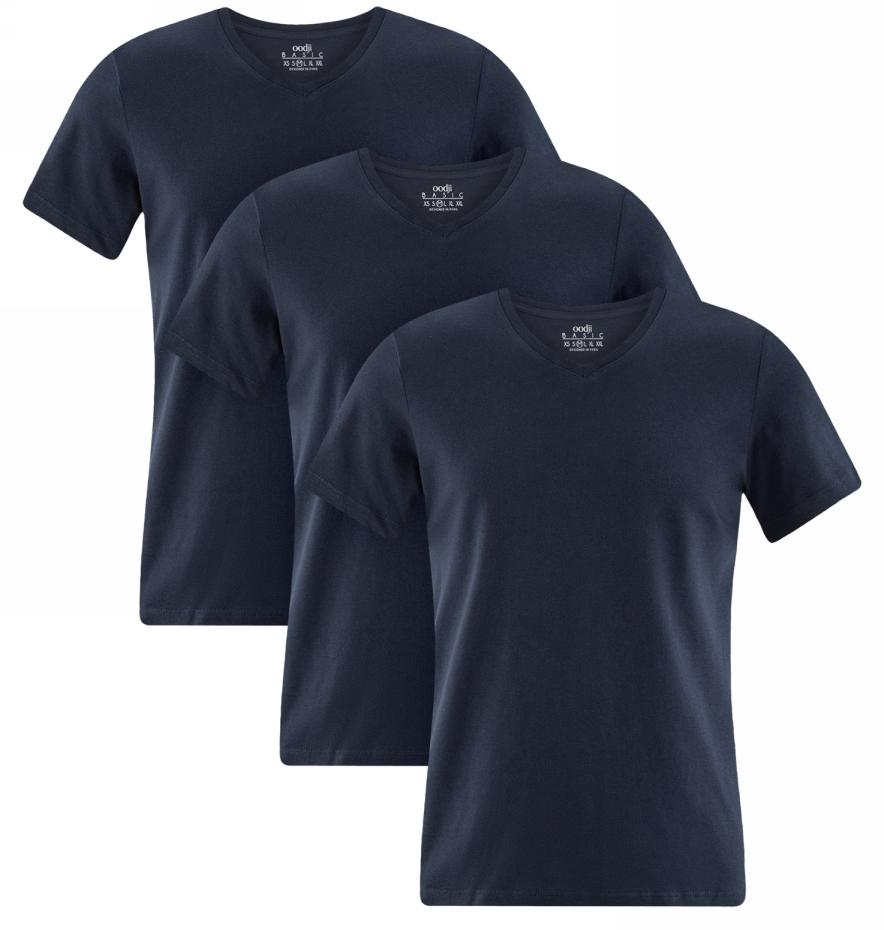 Футболка мужская oodji, цвет: темно-синий, 3 шт. 5B612001T3/44135N/7900N. Размер S (46/48)5B612001T3/44135N/7900NКомплект из трех хлопковых футболок от oodji прямого силуэта. Футболки с V-образным вырезом и короткими рукавами, без какого-либо декора смотрятся стильно и сдержанно. Трикотаж из хлопка приятен для тела, хорошо тянется и практичен в ношении: дышит, сохраняет форму после стирок, не вызывает раздражений. В таких футболках приятно ходить в жаркую погоду. Модель прямого силуэта прекрасно сидит на любой фигуре.Базовый комплект из трех одинаковых футболок – отличное решение для практичных натур. С таким набором вы всегда будете уверены, что в запасе есть хотя бы одна свежая футболка. Это удобно и позволяет реже стирать вещи. Универсальные футболки будут уместны в любых неформальных ситуациях. В них можно пойти на учебу, прогулку, тренировку или по делам. Хлопковую футболку можно носить как удобную домашнюю одежду. Базовые футболки прекрасно сочетаются с джинсами, спортивными трикотажными брюками и шортами. В таком наряде вам будет комфортно и легко!