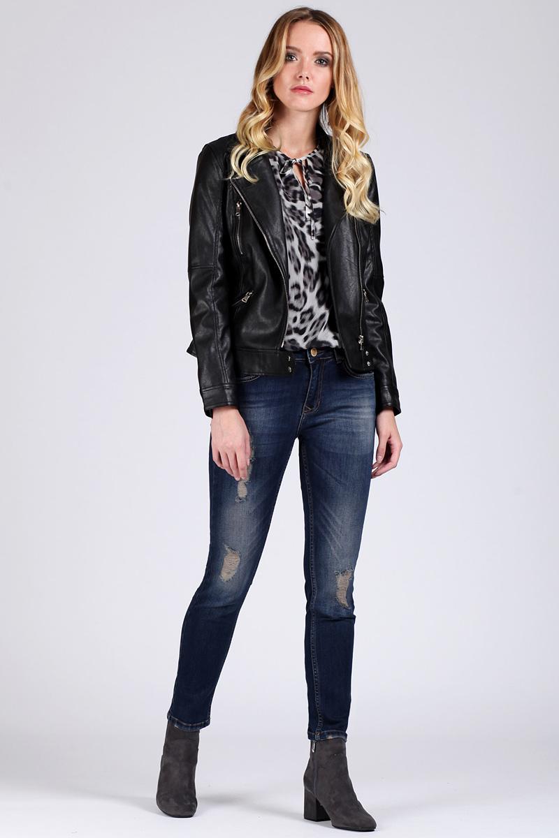 Джинсы женские Tom Farr, цвет: синий. TW5603.36708-2-coll. Размер 27-32 (44-32)TW5603.36708-2-collЖенские джинсы от Tom Farr выполнены из эластичного хлопкового денима. Модель облегающего кроя в поясе застегивается на пуговицу и имеет ширинку на молнии, имеются шлевки для ремня. Джинсы имеют классический пятикарманный крой и декорированы потертостями.