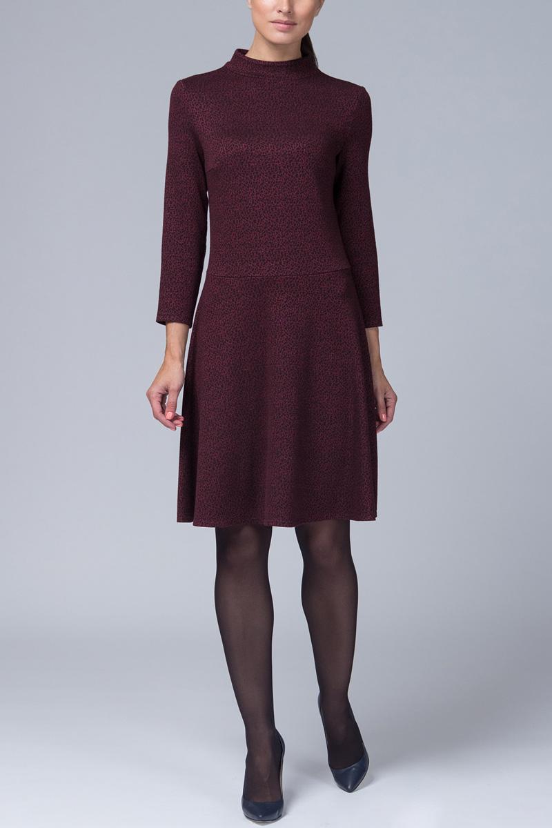 Платье Tom Farr, цвет: бордовый. TW4576.28708-1-coll. Размер S (44)TW4576.28708-1-collПлатье от Tom Farr выполнено из высококачественного материала. Модель приталенного кроя с воротником-стойкой и длинными рукавами на спинке застегивается на потайную молнию.