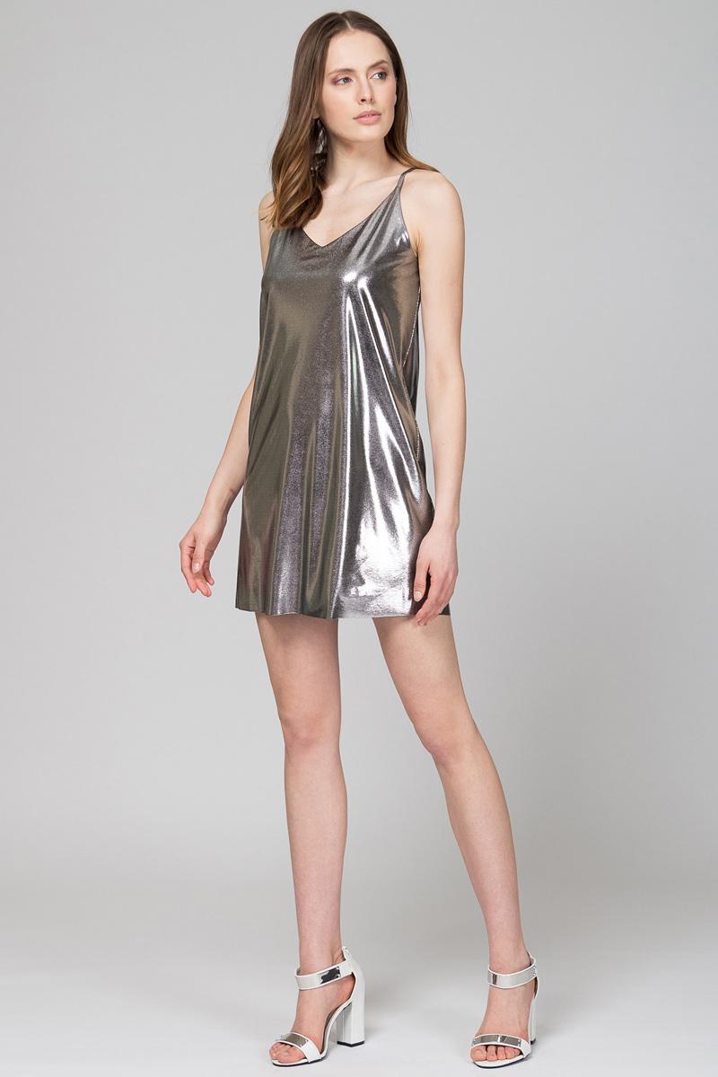Платье Tom Farr, цвет: серебристый. TW8659.96702-2-coll. Размер M (46)TW8659.96702-2-collМини-платье от Tom Farr выполнено из блестящего материала. Модель свободного кроя с V-образным вырезом на тонких регулируемых бретелях.