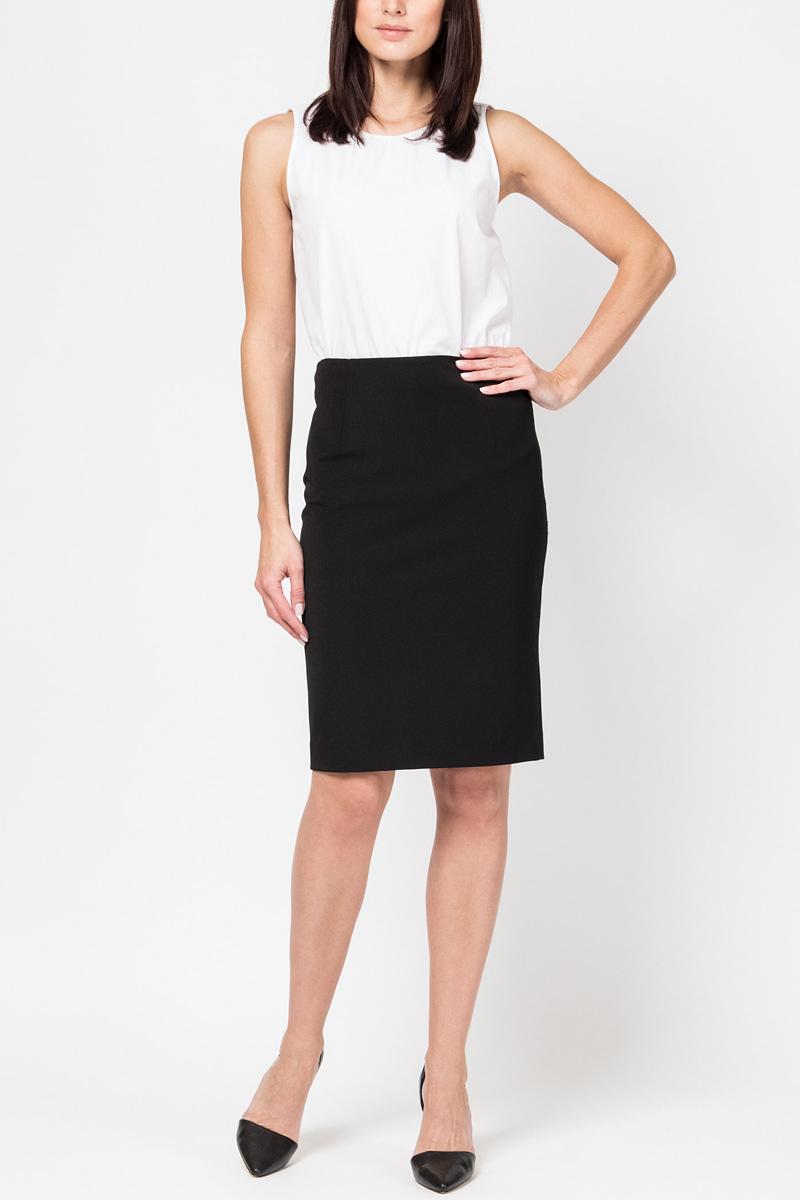 Юбка Tom Farr, цвет: черный. TW7570.58702-1-basic. Размер S (44)TW7570.58702-1-basicЖенская юбка-карандаш от Tom Farr выполнена из эластичной костюмной ткани. Модель со шлицей сзади застегивается на потайную молнию.