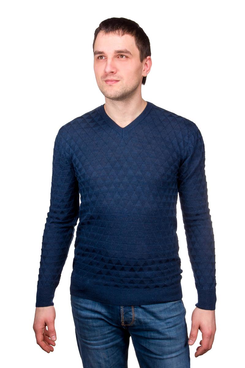Джемпер мужской Casino, цвет: синий. c124-треугольники. Размер 50-174/184c124-треугольникиМужской джемпер с V-образной горловиной и стильным дизайном соответствует офисному дресс-коду в сочетании с классическим костюмом или брюками. В комплектации с джинсами модель может поддерживать направление casual. Трикотаж Casino - практичный выбор мужчин, умело сочетающих классический стиль с последними модными трендами.