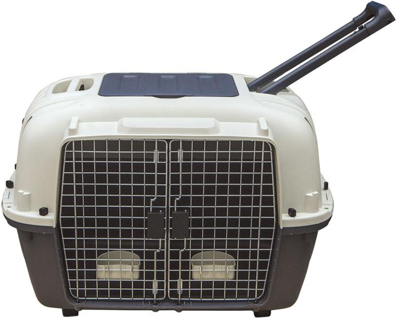 Переноска для животных Triol Premium Double, 88 х 58,1 x 64,7 смНР-170089Переноска для двух животных Triol Premium Double снабжена надежными, скрепляющими корпус винтами и защелками, крепкой и прочной пластиковой телескопической ручкой, а также вентиляционными решетками и двумя кормушками. Переноска имеет два независимых отсека, разделенного глухой перегородкой, каждый из которых надежно запирается собственной металлической дверцей. В верхней части корпуса предусмотрен удобный карман для хранения колес. При этом колеса в комплектацию изделия не входят и приобретаются отдельно. Переноска одобрена Международной Ассоциацией Воздушного Транспорта (IATA) для авиаперевозок.Размер: 88 х 58,1 x 64,7 см.Прикольные переноски, которые наверняка понравятся питомцу. Статья OZON Гид
