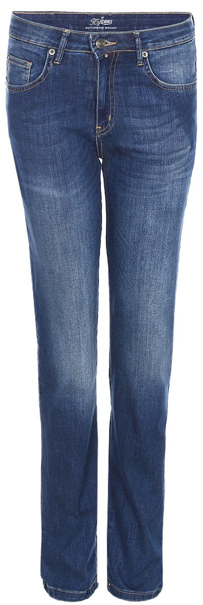 Джинсы женские F5, цвет: синий. 175109_w.medium. Размер 32-32 (48-32)175109_w.mediumСтильные женские джинсы F5 выполнены из хлопка с добавлением полиэстера и эластана. Джинсы застегиваются на металлическую пуговицу в поясе и ширинку на застежке-молнии, имеются шлевки для ремня. Изделие дополнено спереди двумя втачными карманами и одним маленьким накладным кармашком, а сзади - двумя накладными карманами. Оформлена модель контрастной прострочкой и сзади на поясе фирменной нашивкой.
