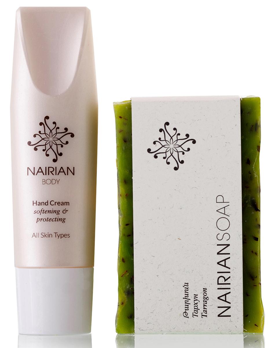 Nairian Коллекция для красоты и здоровья дуо уход за телом: крем для рук 30 мл и мыло тархун, 150 гKTDUBD-U-02Набор на основе экстрактов и эфирных масел холодного отжима, дистиллированных в лаборатории из выращенных на органической ферме Nairian растений. Дикорастущая зизифора и миндаль обеспечивают увлажняющий и успокаивающий эффект крема для рук, а тархун и масло абрикосовых косточек придают мылу увлажняющие и восстанавливающие свойства. Успокаивающее мыло тархун впишется в любую ванную комнату: оно подходит как для рук, так и для всего тела. А легкому антибактериальному крему самое место в сумочке: руки нуждаются в частом увлажнении.