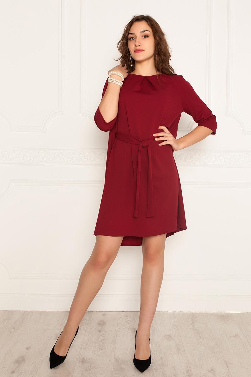 Платье Lautus, цвет: бордовый. 977. Размер 44977Платье от Lautus свободного кроя выполнено из трикотажа. Модель с рукавами 3/4 и круглым вырезом горловины на талии дополнена текстильным поясом.